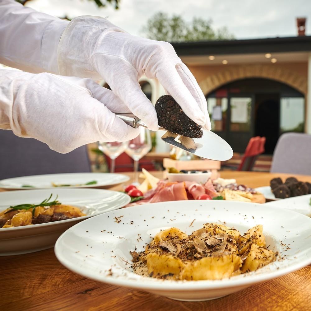 Specijaliteti od tartufa, Lokalno i domaće,